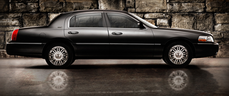 Barrie limo to Toronto Airport, Barrie Airport limo, barrie Airport taxi, Toronto to Barrie limo taxi